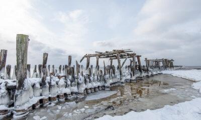 Šalčio ir ledo kaustomas Šventosios pajūris (galerija)
