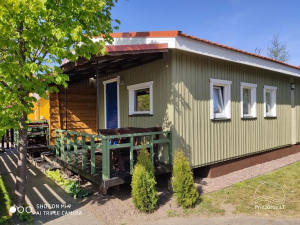 Kambarių ir namelių nuoma Šventojoje su visais patogumais ŽUVĖDROS