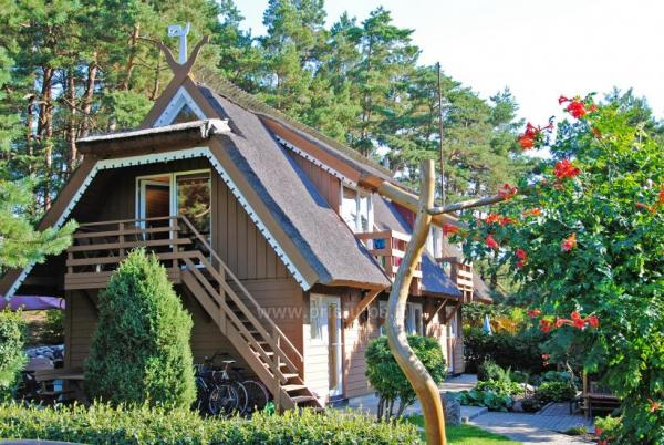 VILA DEVA in Pervalka: Rooms with kitchenettes, amenities, terraces, separate entrances, exclusive yard