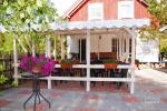 Lauko terasos ir staliukai