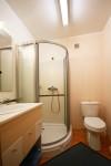 Kiekviename kambaryje - dušas ir WC