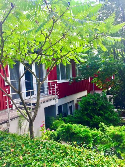 Two-bedroom Apartment Rental in Nida Saltinelis with yard, outdoor furniture - 1