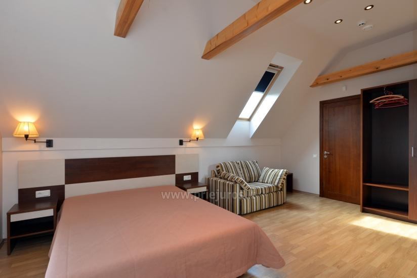 Double room on the second floor (shower and WC, TV, balcony)