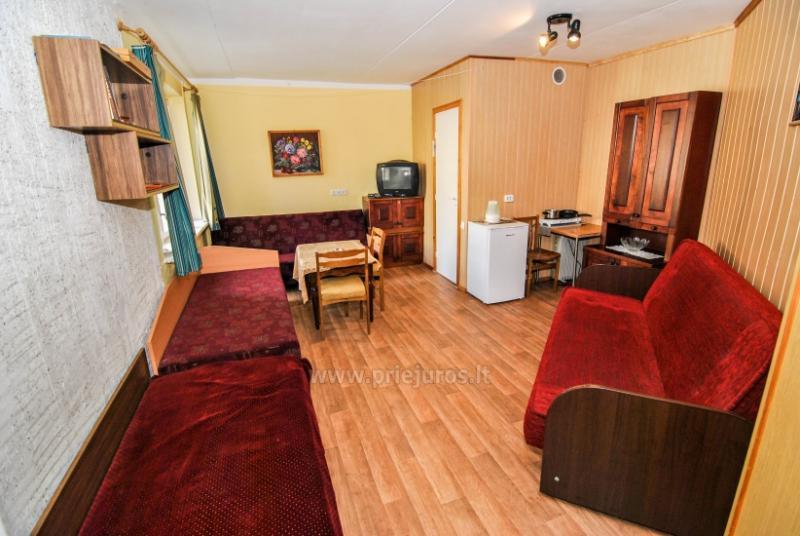 Keturviečių kambarių nuoma (kiekviename viryklė, dušas, WC, TV) Šventojoje