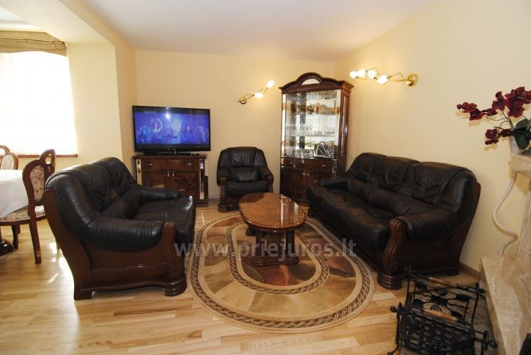 Dviejų kambarių butas Juodkrantėje su židiniu ir pavėsine kieme - 7