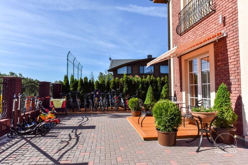 Jauni brīvdienu māja, apartamenti un numuri ar virtuvi un terasēm Palangā - villa OPTIMISTAS - 13