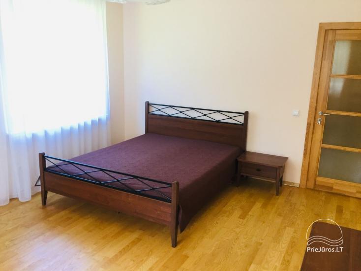 Išnuomojami keturių kambarių apartamentai Juodkrantės centre su vaizdu į Kuršių marias bei nuostabiu gamtos reginiu į Raganų kalną - 3