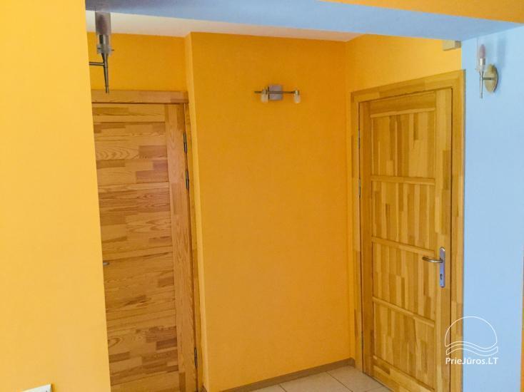 Išnuomojami keturių kambarių apartamentai Juodkrantės centre su vaizdu į Kuršių marias bei nuostabiu gamtos reginiu į Raganų kalną - 15