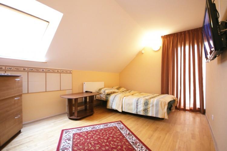 Zimmer zu vermieten, im Zentrum von Palanga J.Basanaviciaus Straße 17 und Café