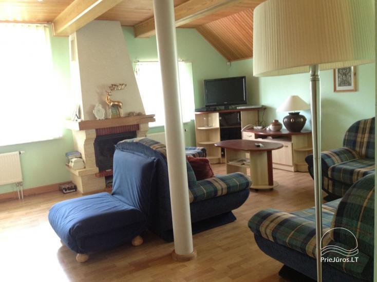 Medernus, erdvus ir šiesus vieno miegamojo apartamentas Palangoje - 3