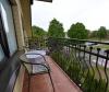 Dvivietis kambarys su balkonu mansardoje