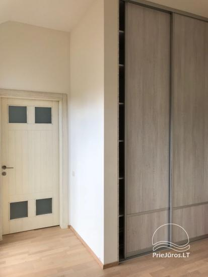 Erdvūs 3 miegamųjų apartamentai Nidoje su balkonu / terasa ir vaizdu į pušyną - 24