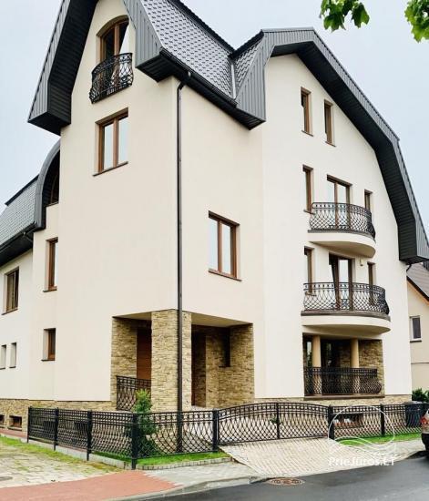 Erdvūs, naujai įrengti dviviečiai kambariai, liuksai - Guest House 17 Palangoje - 1