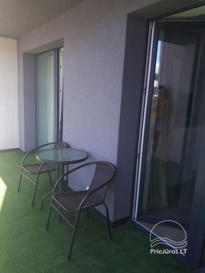Jauns dzīvoklis ar baseinu Palangas centrā - 5