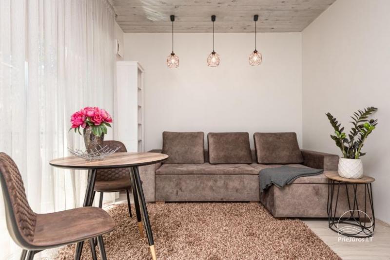 Nauji 2 kambarių apartamentai prie jūros