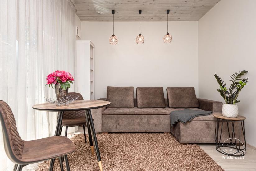 Nauji 2 kambarių apartamentai prie jūros - 1