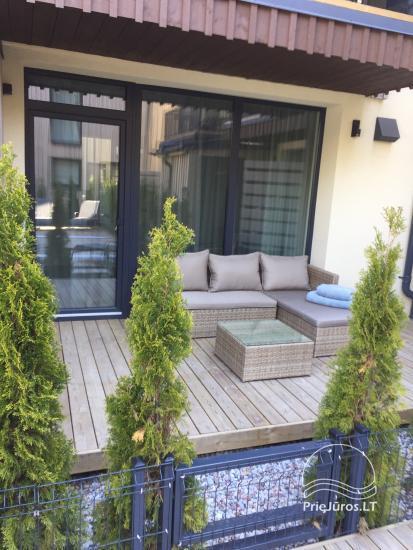 Jauns dzīvoklis ar terasi un apsildāmu baseinu pie jūras - 19