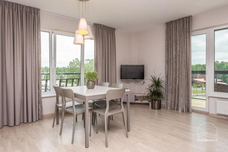 Erdvūs, jaukiai įrengti apartamentai nuomai Vanagupės g. Palangoje