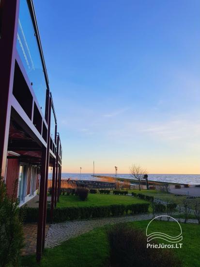 Tiek izīrēts dzīvoklis ar terasi un kamīnu Pervalkā Kuršu lagūnas krastā - 11