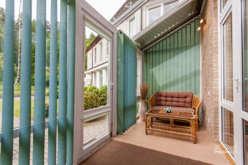 1–3 istabu dzīvokļi Juodkrantē Prie Azuolo – atsevišķas ieejas, virtuves, terases - 32