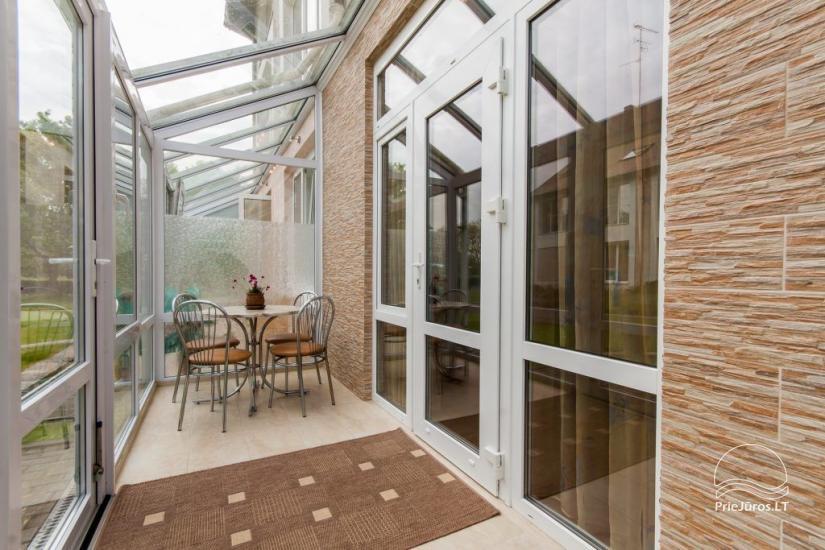 1–3 istabu dzīvokļi Juodkrantē Prie Azuolo – atsevišķas ieejas, virtuves, terases - 49