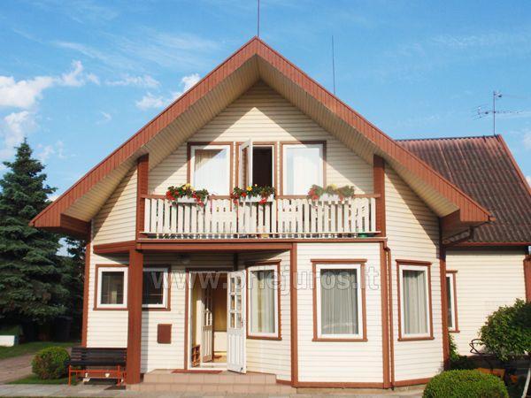 """1–4 vietų kambariai svečių namuose """"Lanksva"""" – 400 m iki jūros, arti centro"""