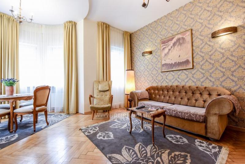 KUBU svečių namai Klaipėdoje. Moderniai įrengti apartamentai, yra sukūrinė vonia, pirtis