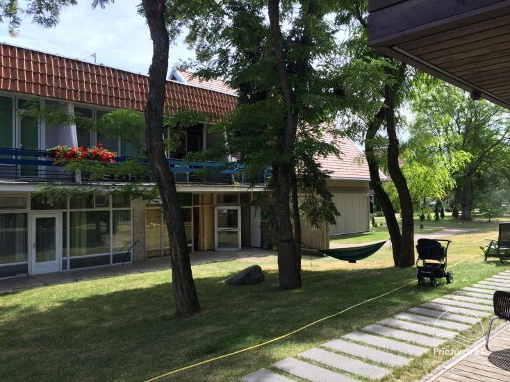 Dviejų kambarių poilsio būstas Preiloje. Abu kambariai - su balkonais! - 1