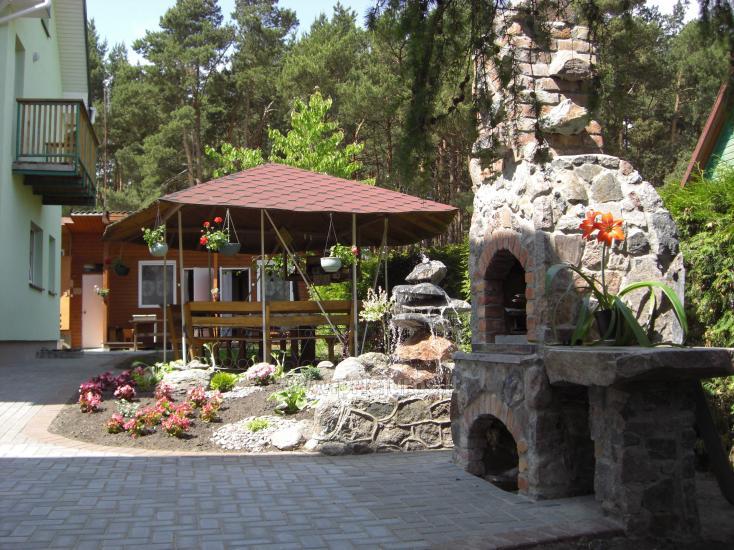 Zimmer und Ferienhäuser zu mieten. Großer Hof, Gartenhaus, Schaukeln - 1