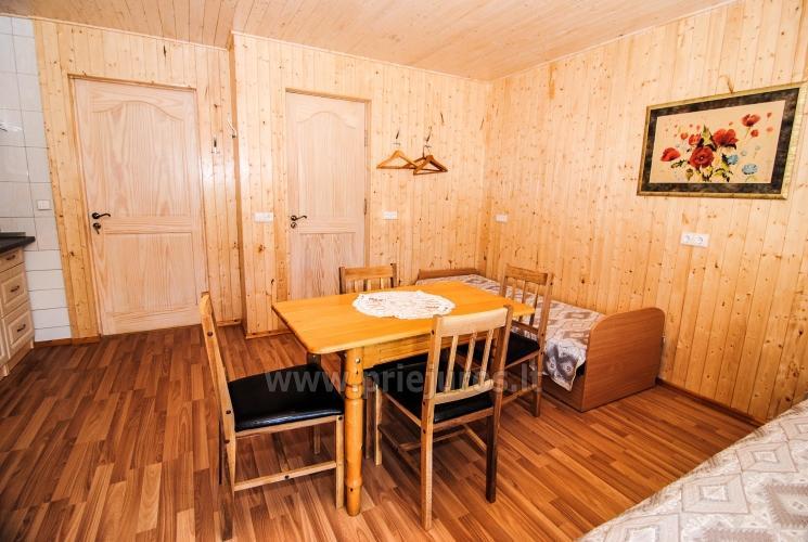 Zimmer und Ferienhäuser zu mieten. Großer Hof, Gartenhaus, Schaukeln - 9