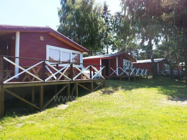 Vasaras mājas ar terasēm Sventoji, pēc upes