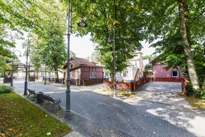 Rooms, apartments, holiday cottage in Palanga. Separate entrances from the yard, all the amenities