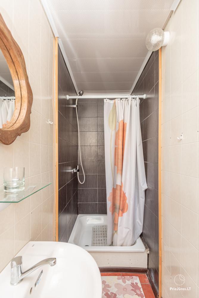 2-5 vietų kambarių nuoma Šventojoje. Su atskirais patogumais, kai kurie su balkonu ar terasa - 2