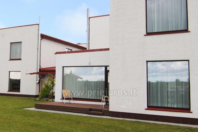 Haus zur Miete in Sventoji (Palanga): 4 Schlafzimmer, großes Wohnzimmer mit Küche, 3 Bäder - 2