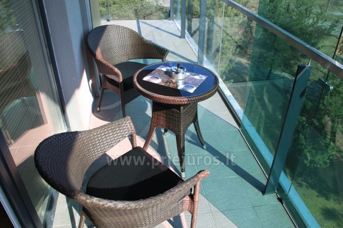 Ramaus poilsio apartamentai su balkonu ar terasa. 10min iki jūros! - 2