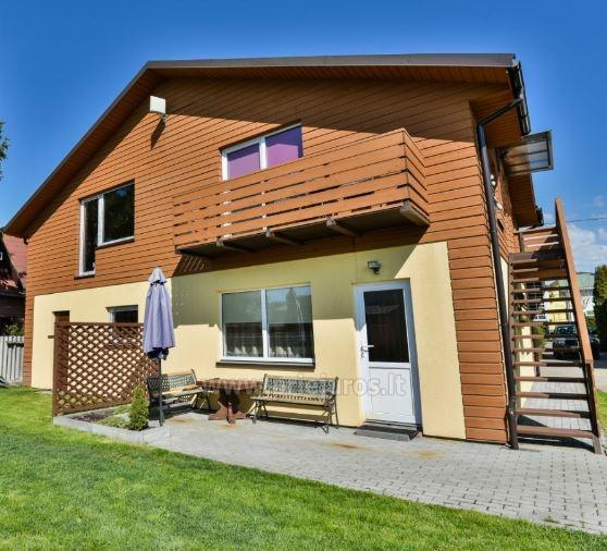 Nauji apartamentai Šventojoje. 2-viečiai ir 4-vietis. Atskiri įėjimai, visi patogumai, kiemas