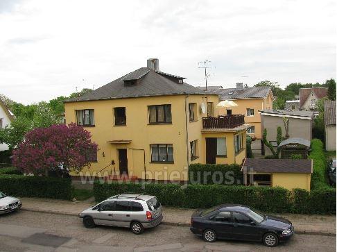 Triviečio ir keturviečio kambarių nuoma Palangos centre: balkonas, WiFi, pavėsinė kieme - 3