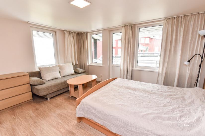 Apartments in Neringa: Terrasse / Balkon mit Blick auf die Lagune, Wi-Fi - 31