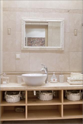 Stilvolle, geräumige 2-Zimmer-Ferienwohnung Inga mit Kamin und 14 m² Terrasse - 15