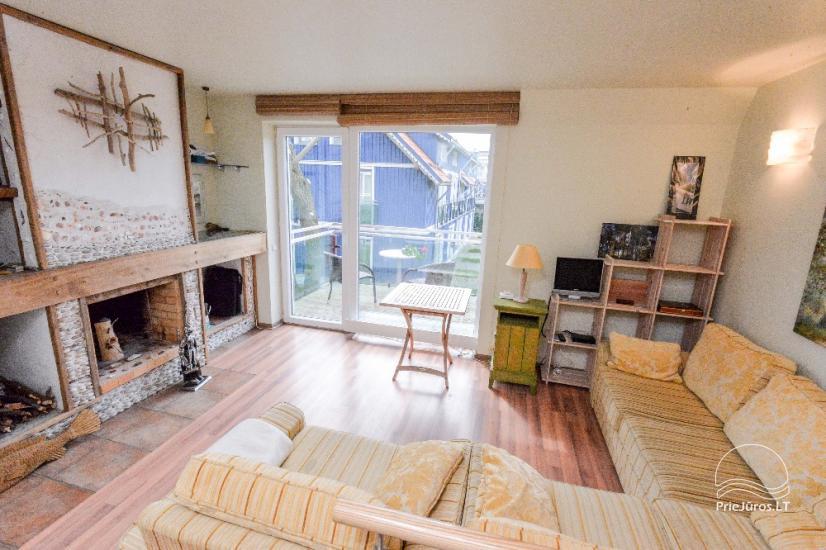 Mājīgs dzīvoklis uz trīs stāvos Pervalka ar kamīnu, terase - 5