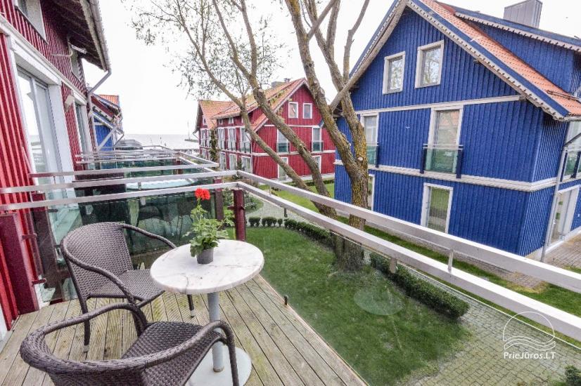 Mājīgs dzīvoklis uz trīs stāvos Pervalka ar kamīnu, terase - 4