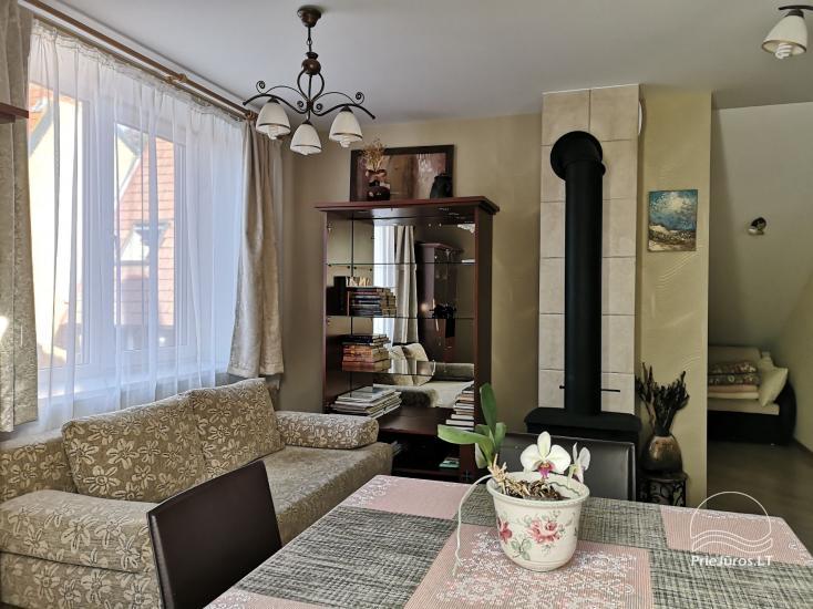 Divas istabas dzīvoklis ar kamīnu Ligzda II īre Nidā - 4