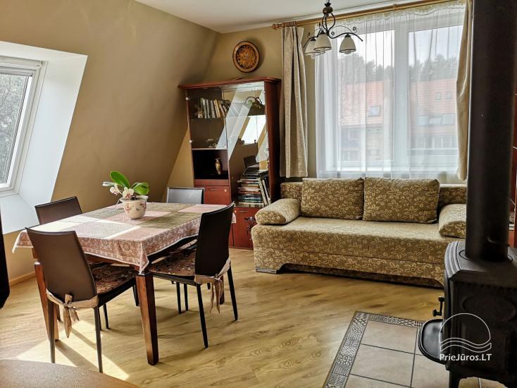 Divas istabas dzīvoklis ar kamīnu Ligzda II īre Nidā - 5