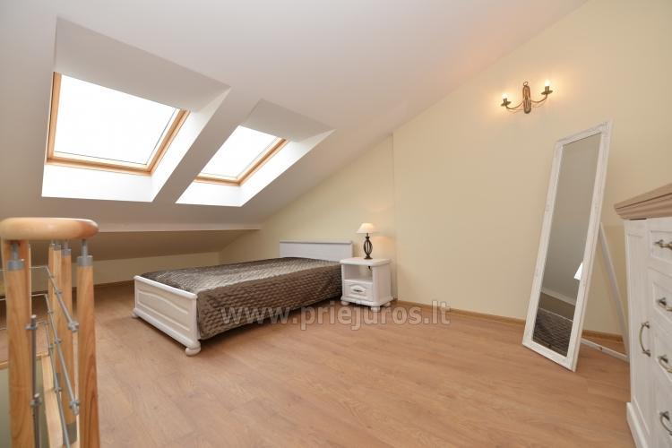 Miegamasis su dvigule lova trečiajame aukšte
