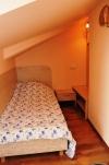 Erdvus 2 kambarių butas. Rami vieta, 10 min. iki jūros ir centro - 11
