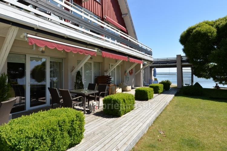 Dviejų kambarių apartamentai Pervalkoje su terasa ant marių kranto