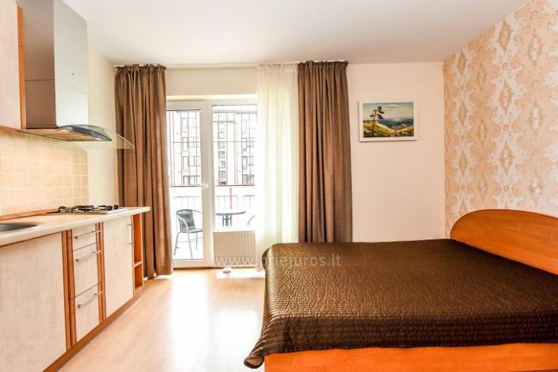 Viena un divu istabu dzīvokļi tiek izīrēti Palangā, netālu no jūras un centra