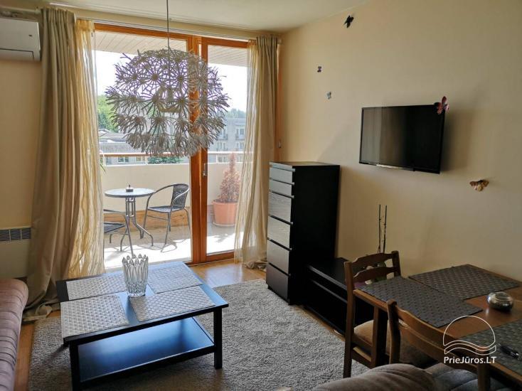 Jaukus 2 kambarių butas su balkonu prie Botanikos parko, 600m iki jūros