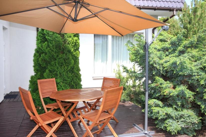 Apartment with a separate entrance from the yard, terrace, kitchen