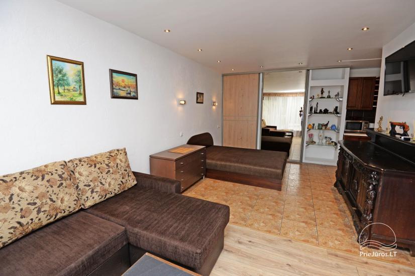 Studijas tipa dzīvoklis centrā: WiFi, lapene pagalmā, gaisa kondicionēšanas - 2